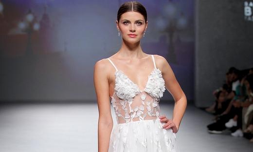 2020春夏婚纱[Mireia Balaguer]巴塞罗那时装发布会